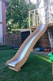 Aanbouwglijbaan gemaakt van Robinia hout en RVS