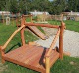 Talud/platform 250cm met glijbaan gemaakt van RVS en Robinia hout.
